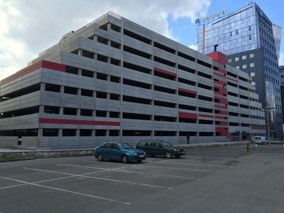 Parking Millenium Towers